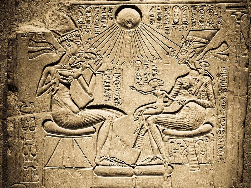 akhenaton si nefertiti